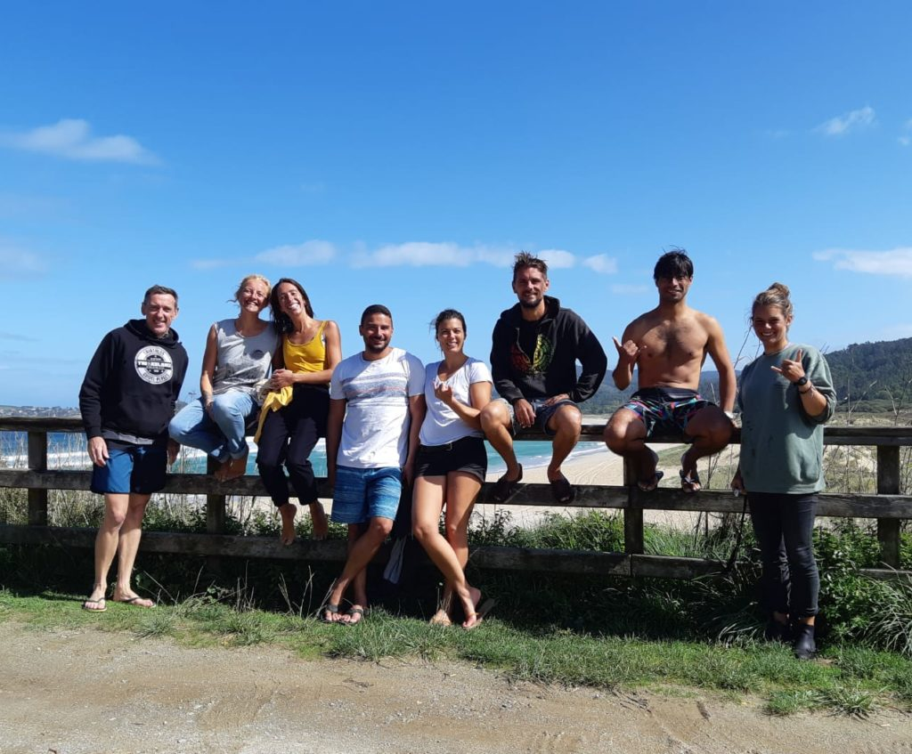 Groupe surf yoga galice tripsurf soulshine